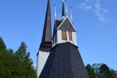 Die alte Kirche in Tornio wurde 1686 fertiggestellt. Im Turm sind Fenster.