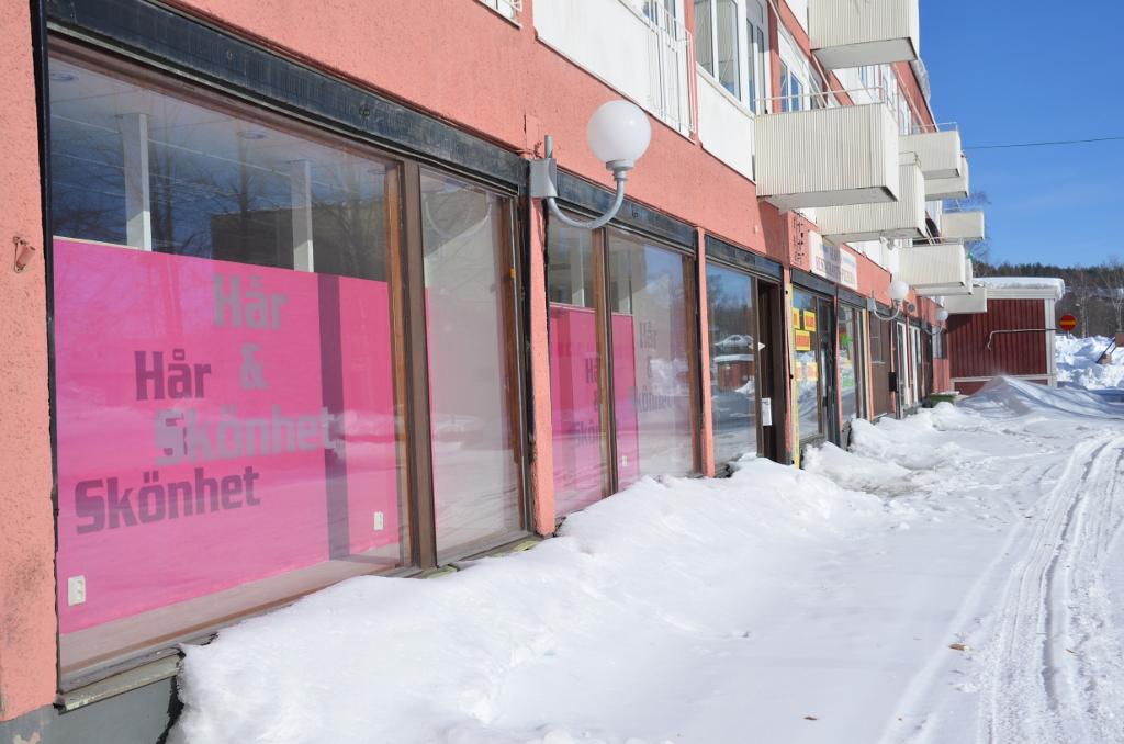 Fast alle Geschäfte haben geschlossen.