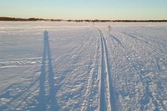 Skilaufen-auf-dem-Fluss