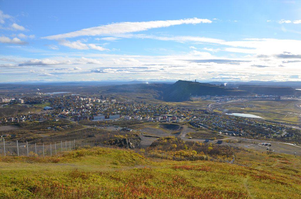Blick auf die Stadt und Kiirunavaara