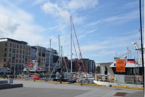 Bodø Zentrum und Hafen.