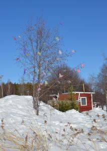 Baum mit Osterdeko